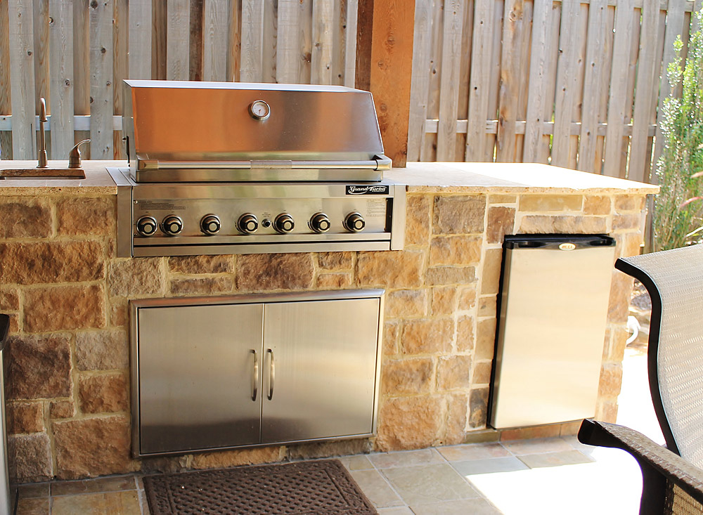 Texas Outdoor Kitchen Construction