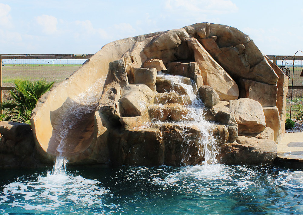 Texas Water Features on Swimming Pools