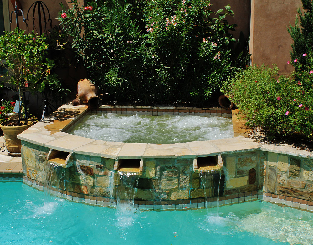 Water Features on Swimming Pools